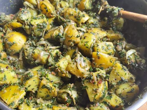 Saag aloo (pommes de terre et épinards)