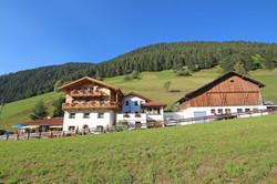 Der Berghof mit Bauernhof