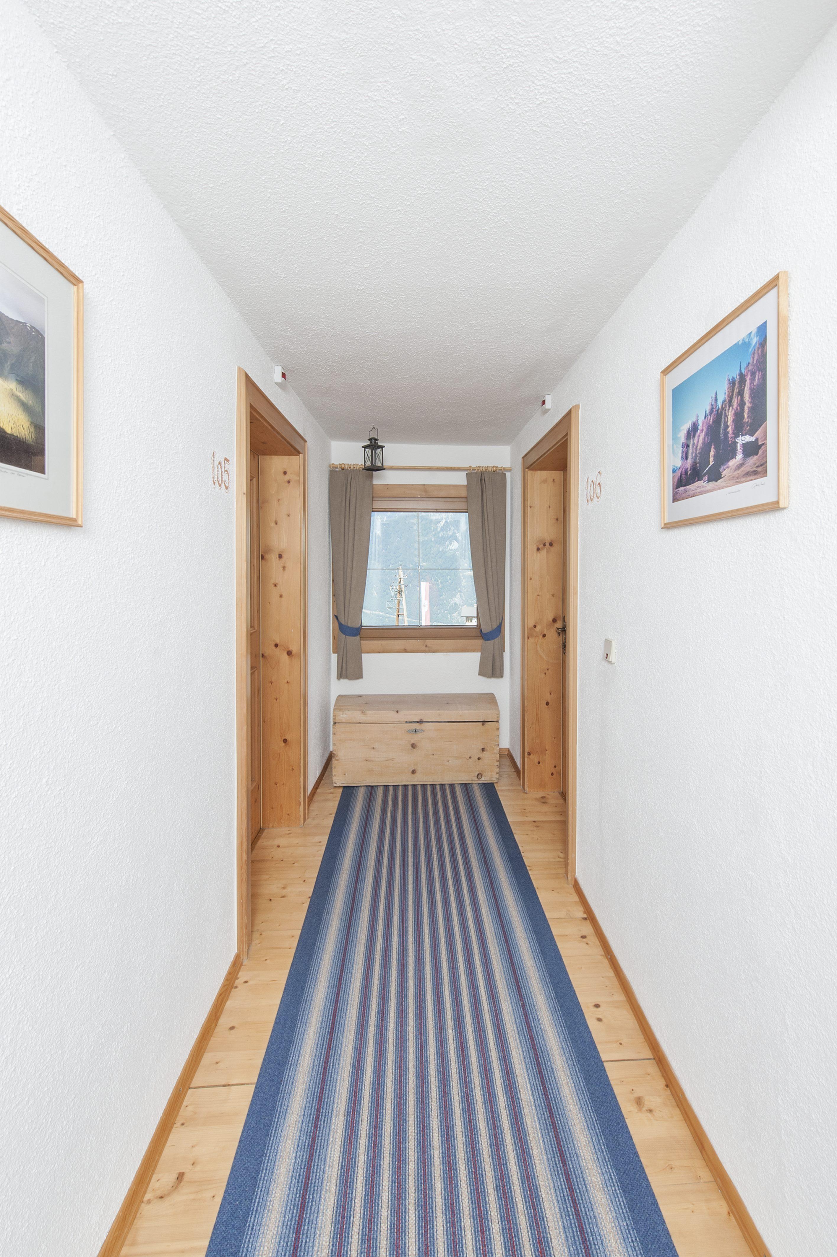 Vorraum Zimmer (c) Zweiraum Eli Krismer.