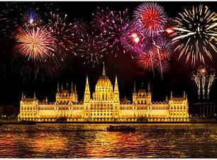 BUdapest fireworks 5 (2).jpg