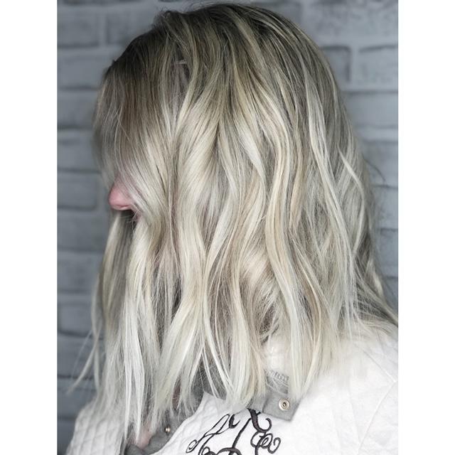 Platinum Blonde Foilayage