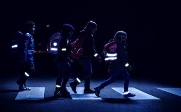 Світлоповертальні елементи в темну пору доби рятують життя