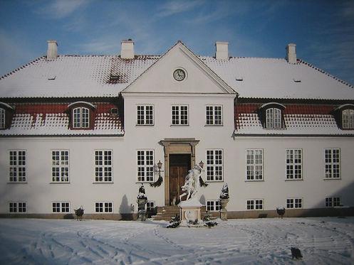 Gelskov Manor Winthertime (3).JPG