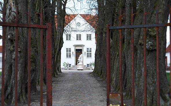 Welcome to Heine R Bartsch Antiques.png