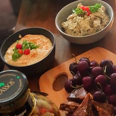 Dips Babaganoush and Hummus