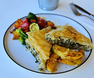 Spinach_Pie_with_oven_roasted_vegetable[