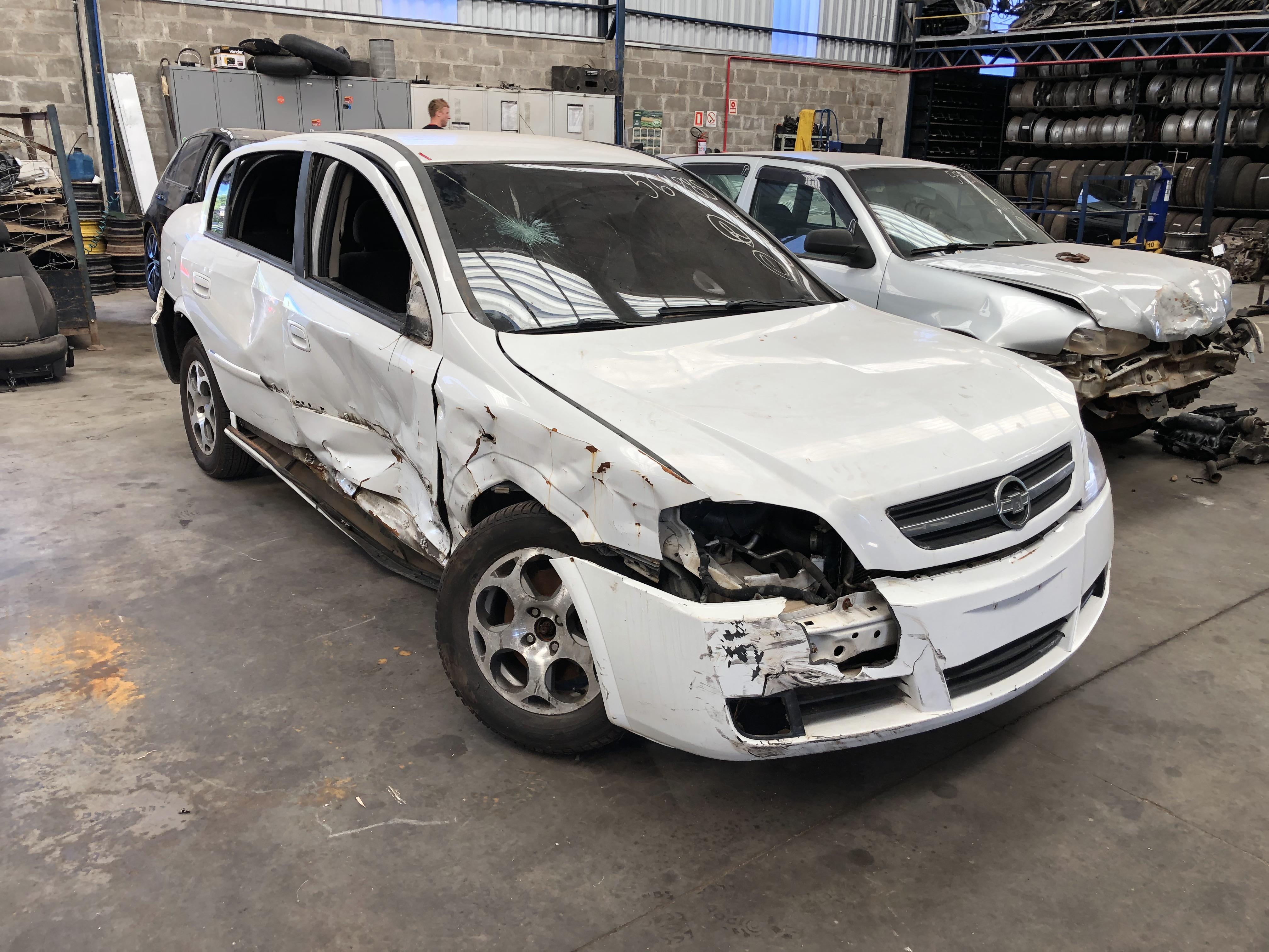 Astra sedan adv 10-11 - 1