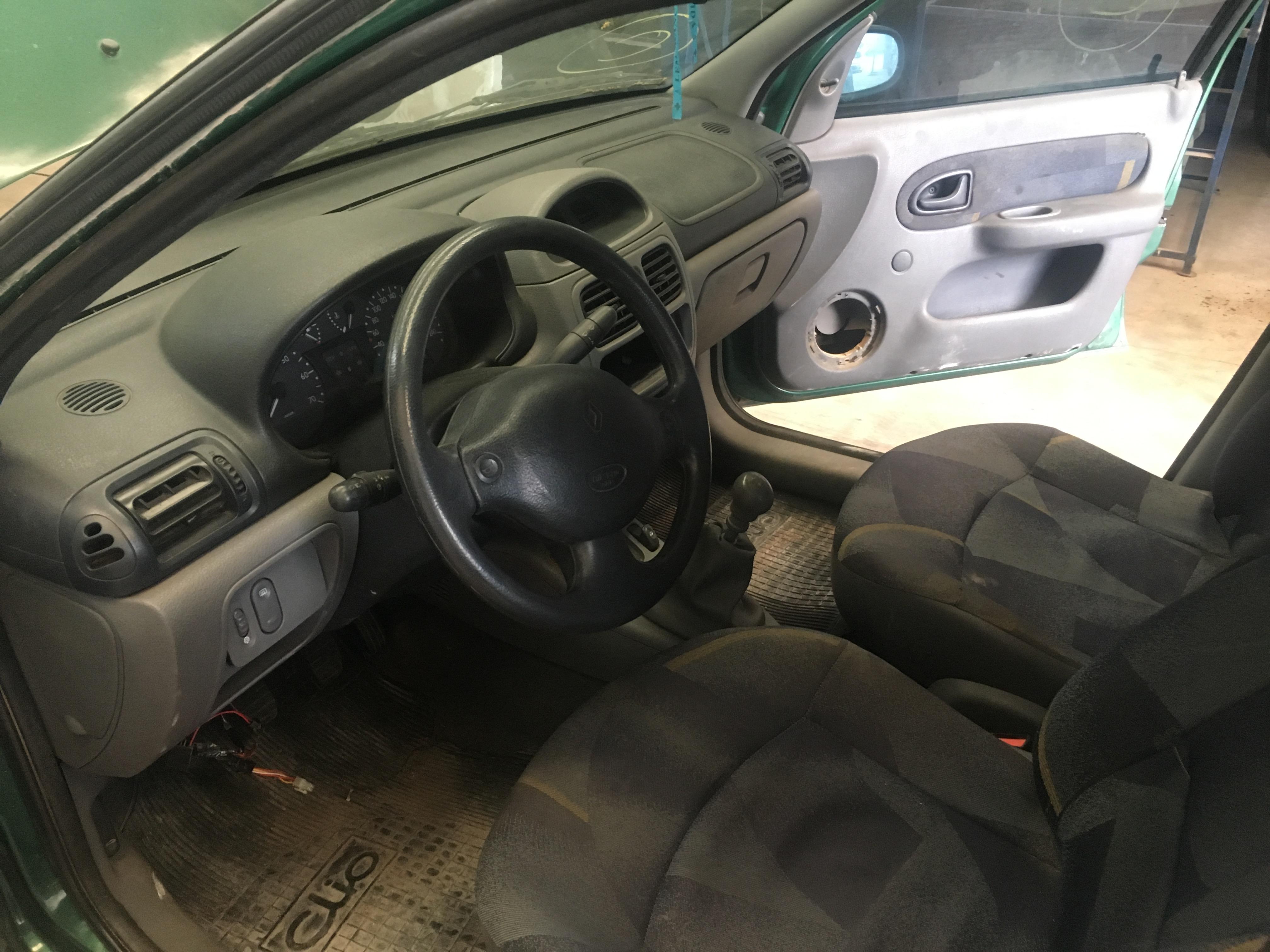 Clio Sedan 3