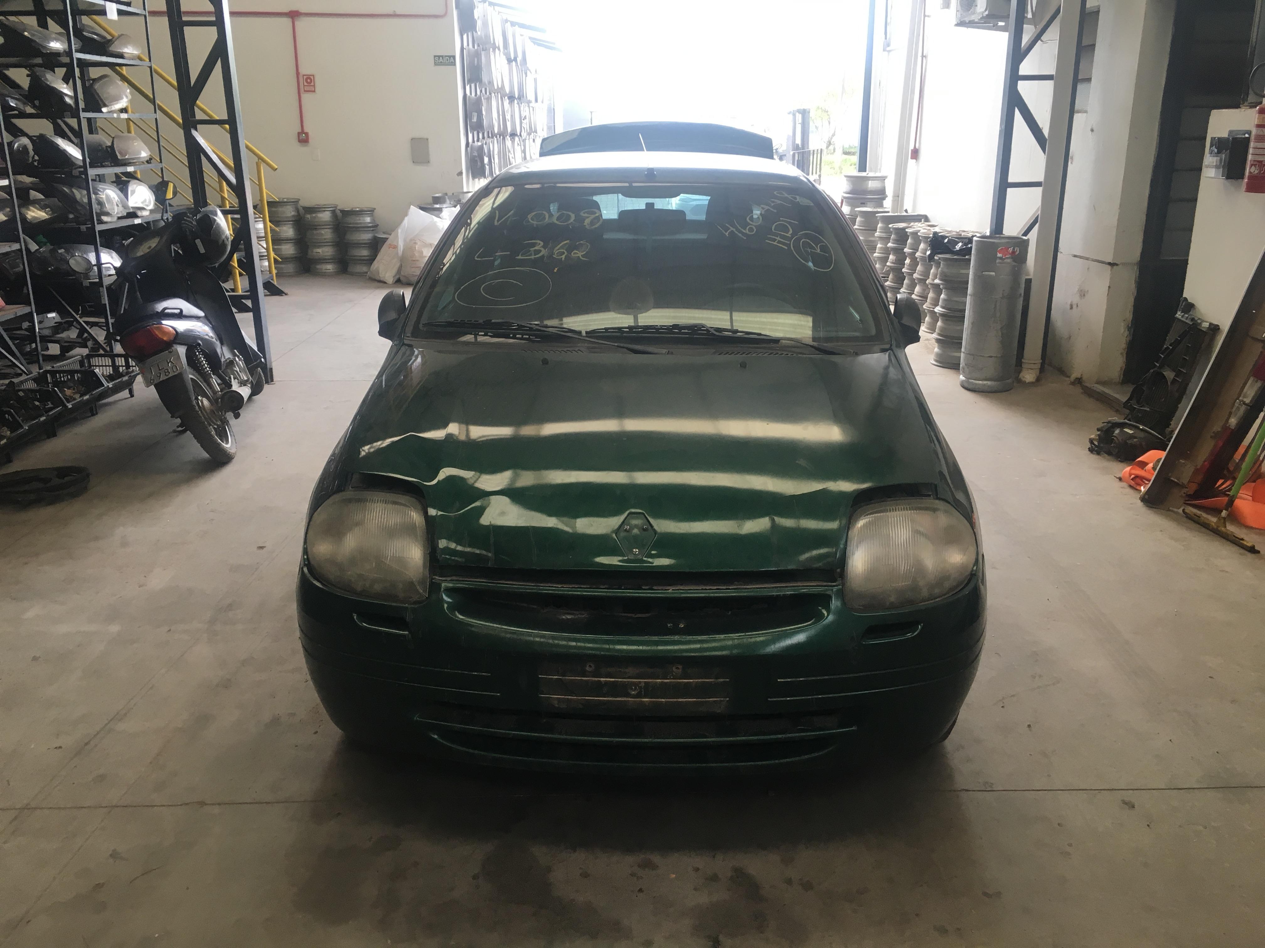 Clio Sedan 1