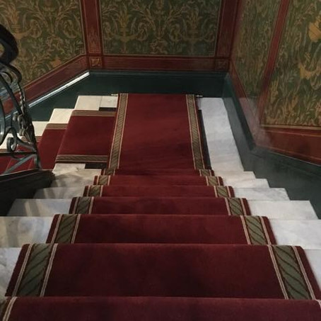 Tapis d'escalier Uni et bordure Torsadée