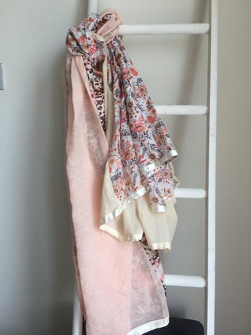 Sjaal Shanna met beige en roze tinten