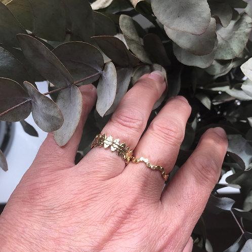 Goudkleurige ringen