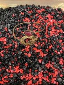 n Armband Opus4 Goud/zwart + rode steen