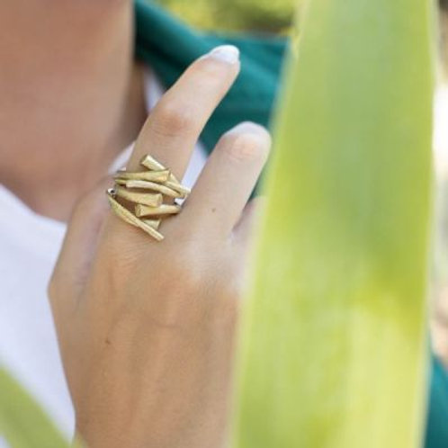 Ring handgemaakt goudkleurig