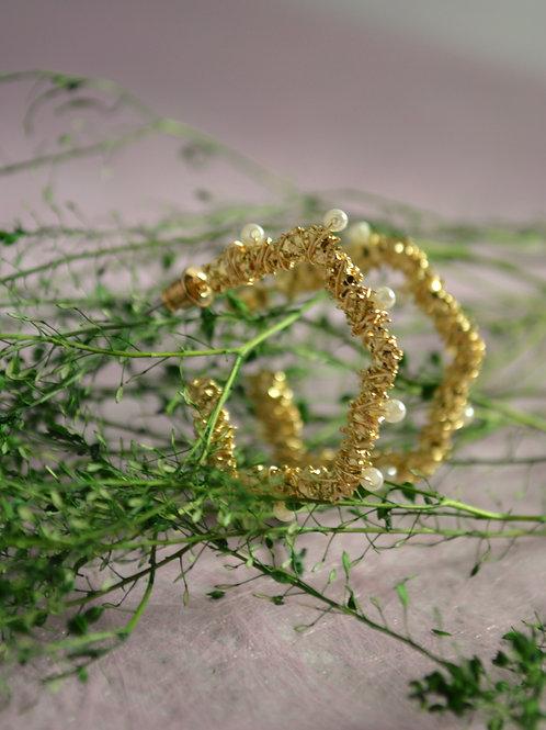 Oorbellen ringen ovaal met draadmotief en parels
