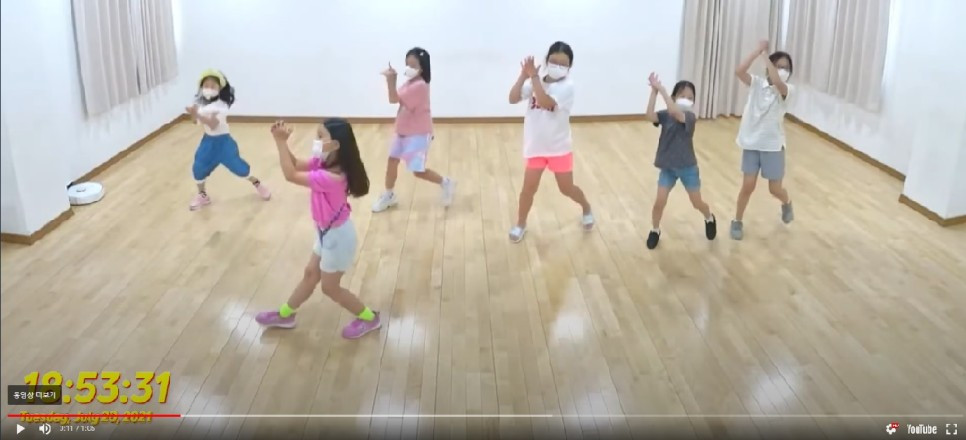 【주니어 케이팝】 브레이브걸스(Brave Girls) - 치맛바람 (Chi Mat Ba Ram)