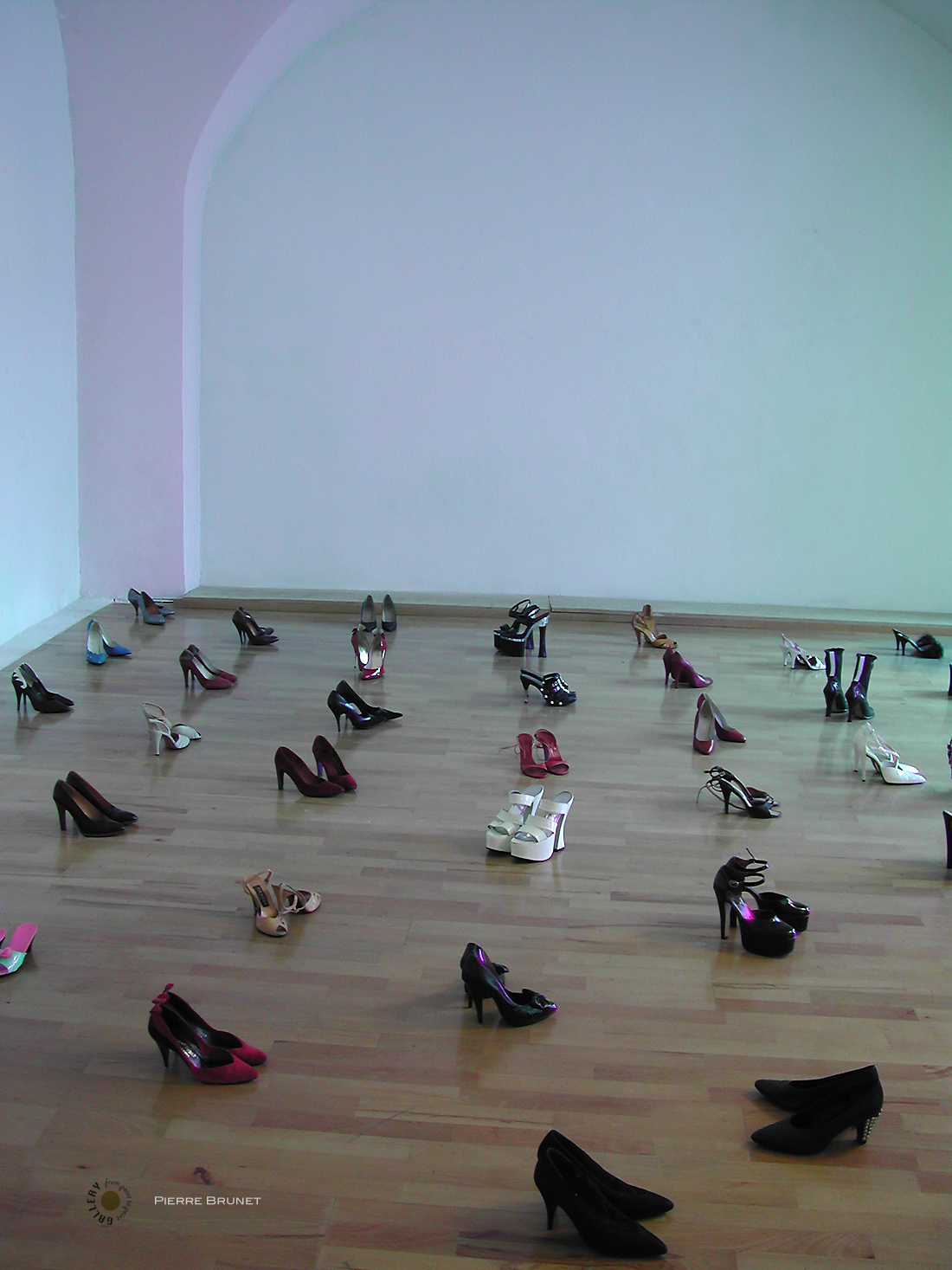 Pierre-Brunet-Crepuscule-sur-chaussures-Point-to-Point-Studio.jpg
