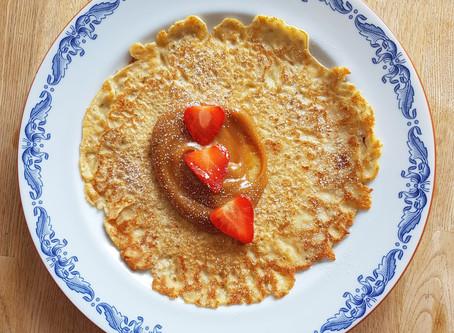 Pannekaker med brunostkrem