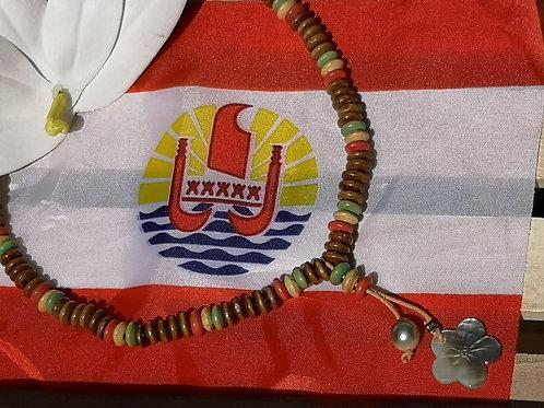 Collier en Bois avec 1 Perle de TAHITI et Nacre