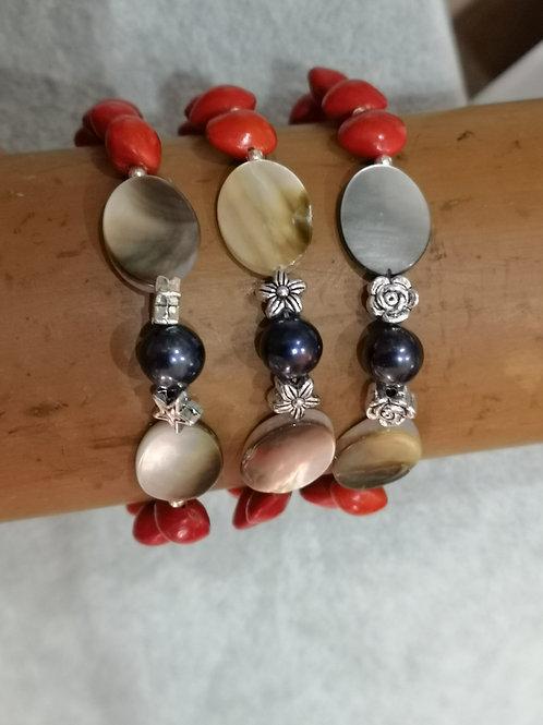 Bracelet en graines ,Nacres et Perles d'eau douce