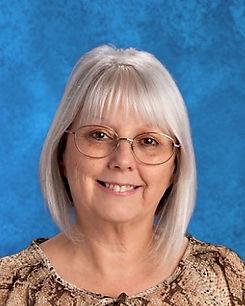 Mrs.-Polesnek---Teachers-Aid--Office-Hel