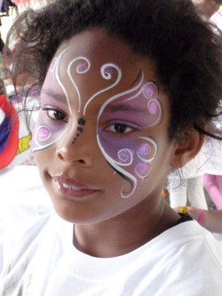 Union Rescue Mission facepainting for homeless kids in Los Angeles