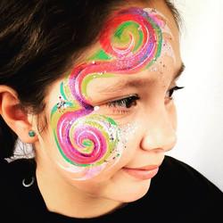 Groovy Swirls💕 part II _#groovy #swirly #sparkly #makeup #eyes #rainbow #facepaint #wolfe  #wolfefx