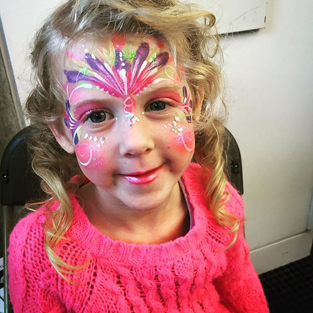 #paintonyourface #facepaint #facepainting #facepainter #jamiejanettgraden #princessmakeup #princessf