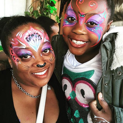 Adorable #momanddaughter from last weekend's #birthdayparty _🐯💕🐾_#butterfly #leopard #facepaintin