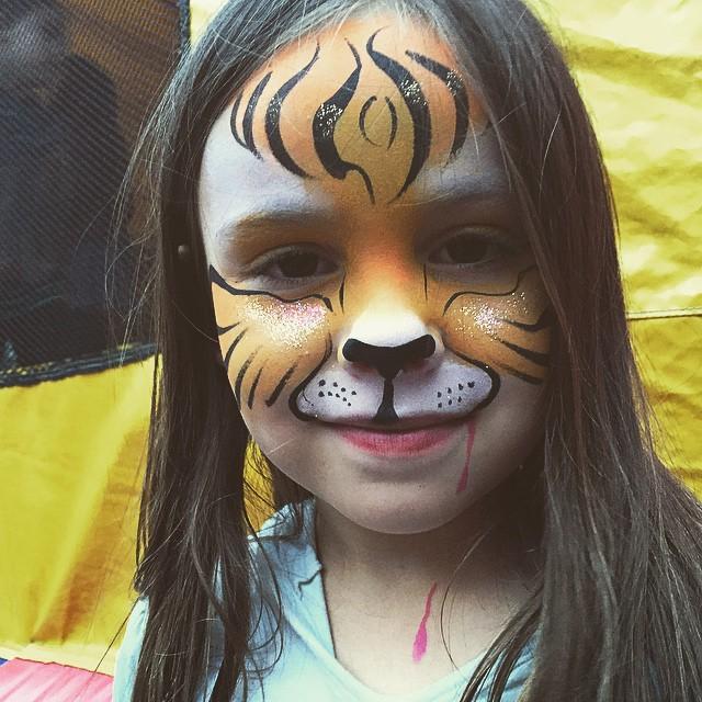 #tiger #adorable #facepainting  #kidsfacepainting #colorful #realArt #Facepainter #LAfacepainter #Pa