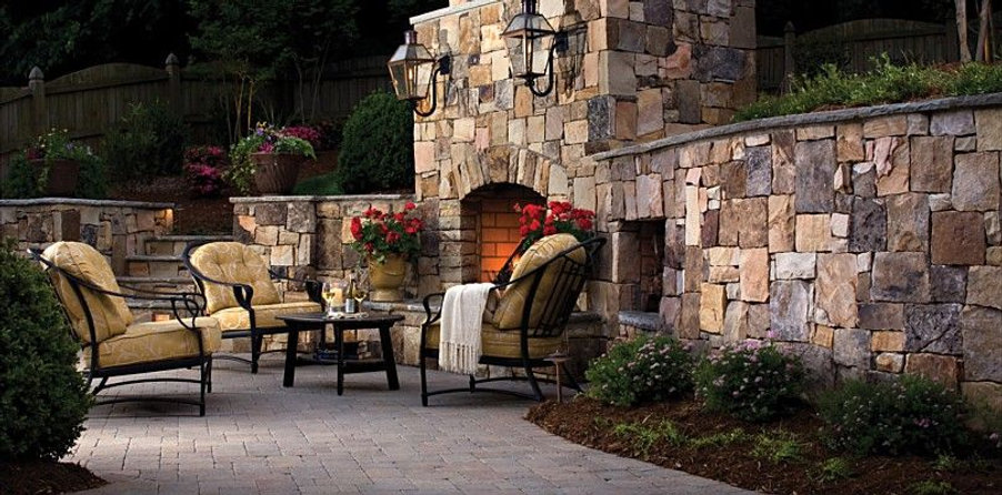 outdoor fireplaces knoxville tn, outdoor fireplace contractors knoxville, Custom stone outdoor fireplace Knoxville, TN with Outdoor Fireplace Design Knoxville TN and installed by Knoxville Land Design, and a stone fire pit knoxvill tn.