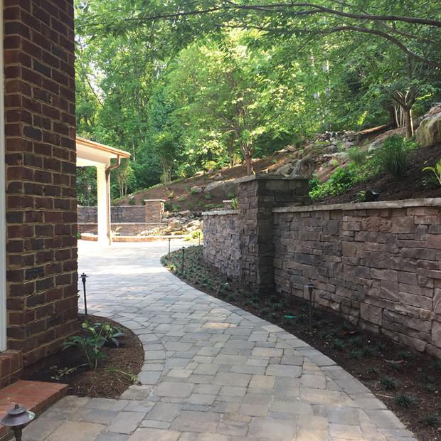 Retaining Walls Knoxville TN, Horizon Stone - Masonry Retaining Wall