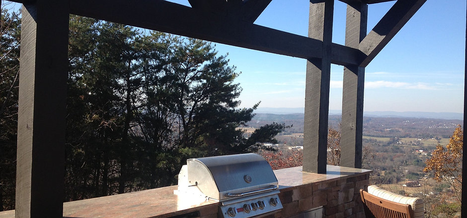 Custom outdoor kitchen knoxville tn that was designed and installed by Knoxville Land Design