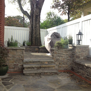Natural Stone - Masonry Retaining Wall