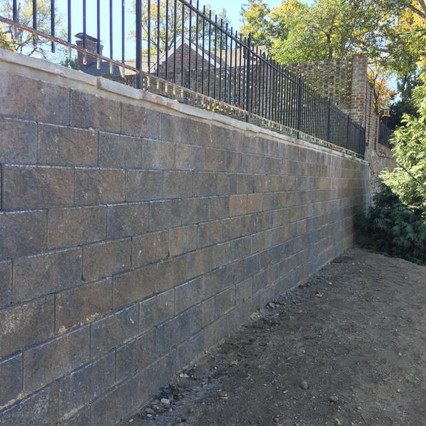 Versa-Lok - Segmental Retaining Wall