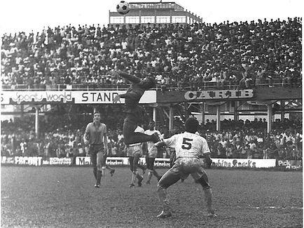 fatima.johnd.1979.qpo.goalkeeper Errol L