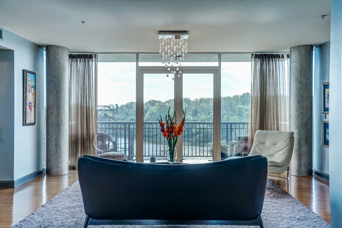 Luxury Riverfront Condo | Rocketts Landing