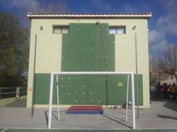 Edificio verde.Rocódromo.