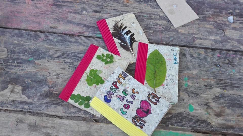 Carpetas de papel reciclado