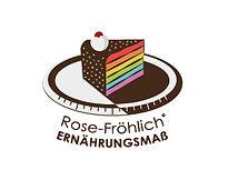 Stück Kuchen mit regenbogenfarben Rot orange gelb grünblau lila auf schwarz braunem Teller mit Sahne