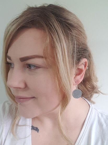 23mm Hammered circle earrings