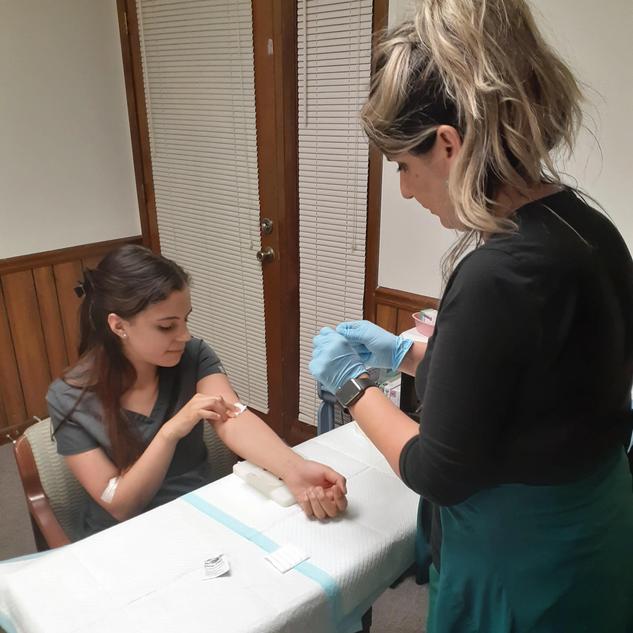 training for phlebotomy-min.webp