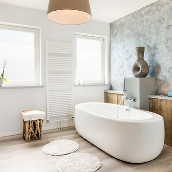 Badezimmer fugenlos, gestaltet mit Spachtelputzen