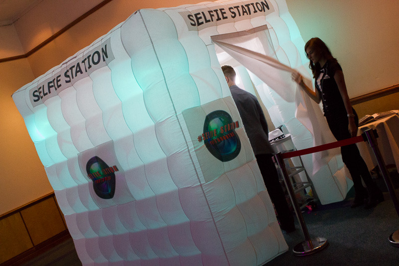 10_Selfie_Station_Photobooths