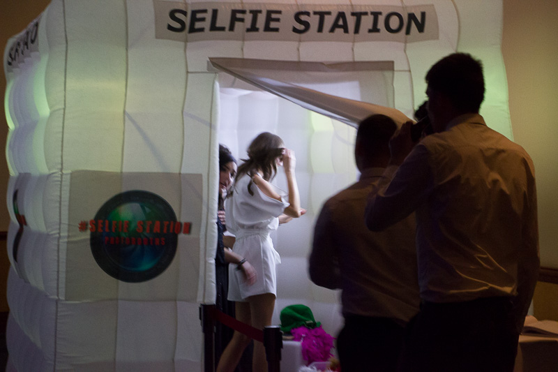 24_Selfie_Station_Photobooths