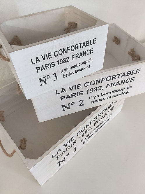 Cajas blancas de madera