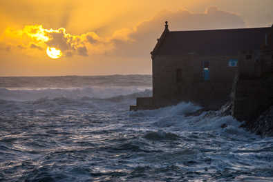18. :  New Year's Sunset – Porthleven.