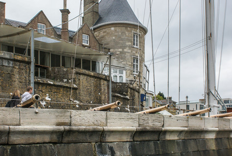 16. West Cowes Castle: 1542 (Royal Yacht Squadron)