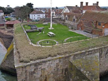 28. Yarmouth Castle: Gun-platform.
