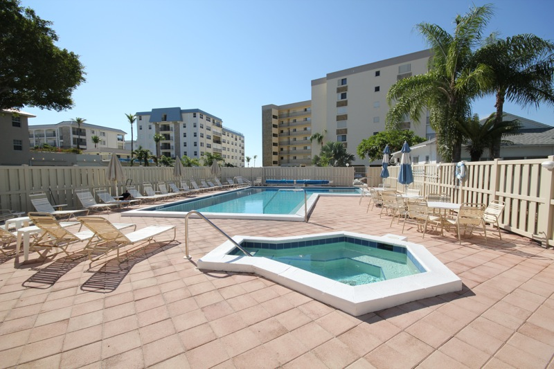 Pelican Watch Pool & Spa